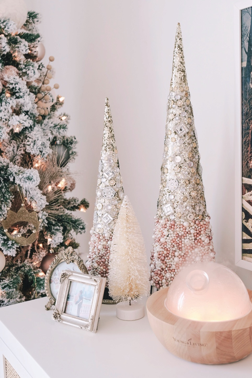 Aria diffuser with Christmas decor | Miss Madeline Rose